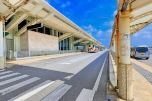 那覇空港走行レーンの写真